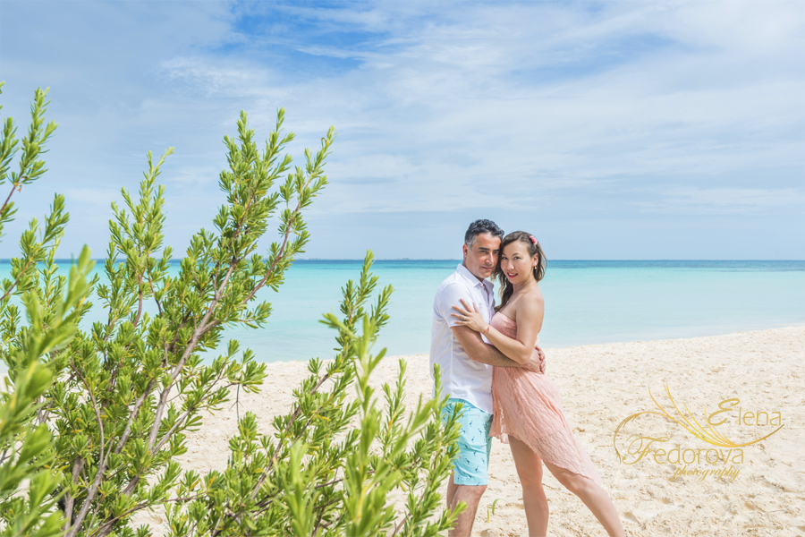 isla mujeres engagement photos