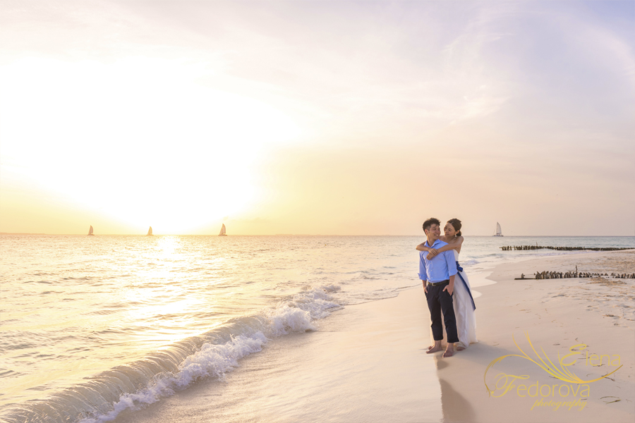 romantic photo shoot beach