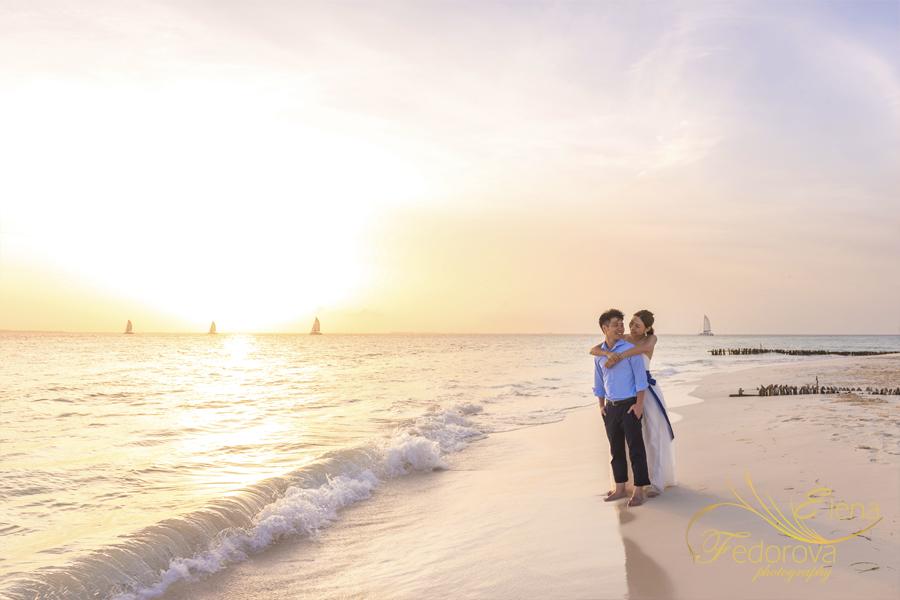 romantic photo shoot beach