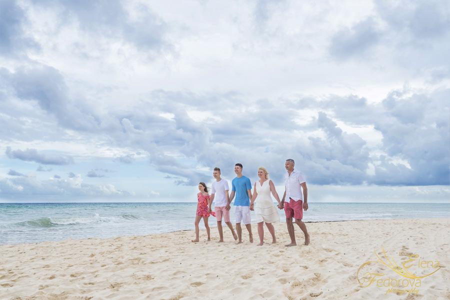 beautiful family beach photos
