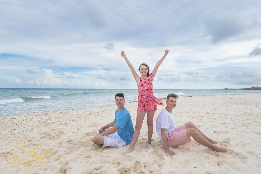 Cancun photos beach family