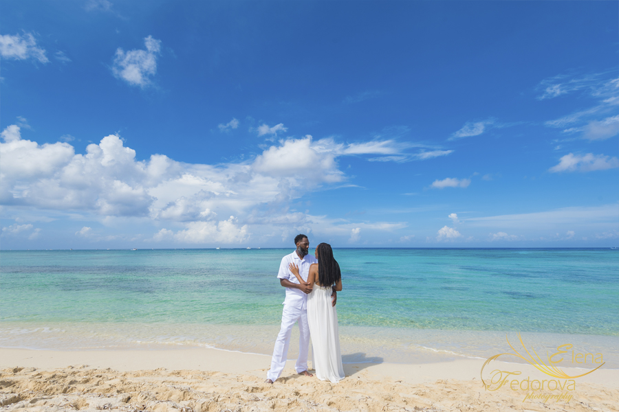 couple photo session in Cozumel Mexico