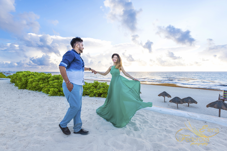 dancing on beach couple
