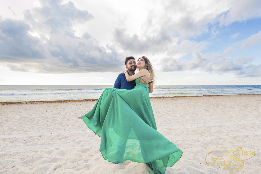 indian couple photo session in cancun