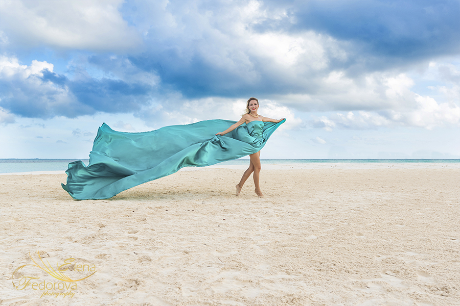 beach photo with dress