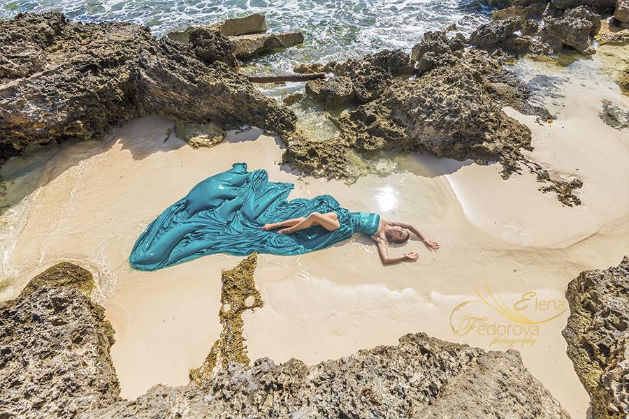 model beach sand green dress