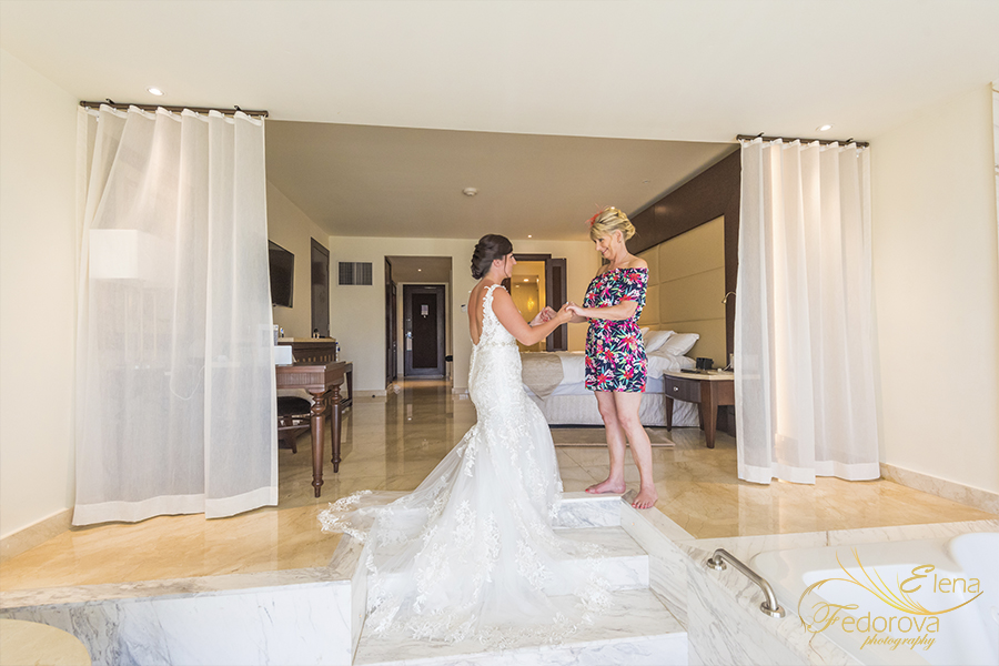 creative photography Moon Palace Cancun wedding