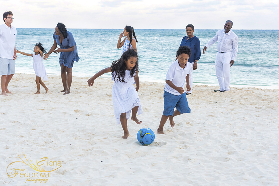 family photo shoot at grand velas playa del carmen
