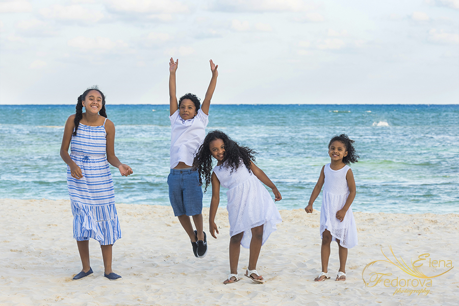 family photographer grand velas mexico