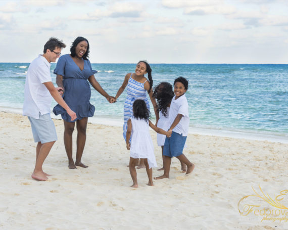 Grand Velas Riviera Maya family photo session.