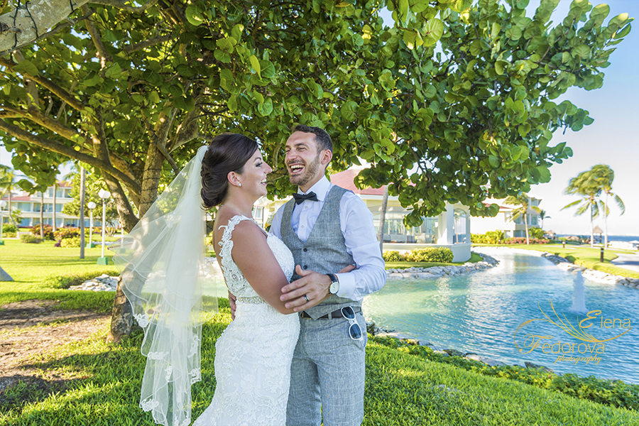 Moon Palace Cancun wedding candid picture