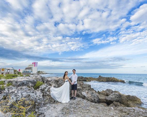 Honeymoon sunset photo session in Isla Mujeres.