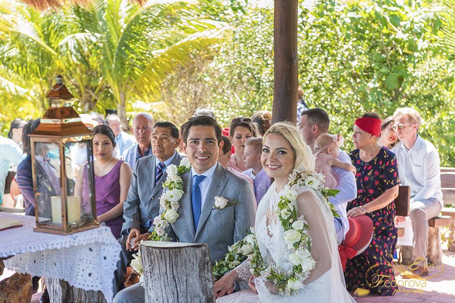 bride groom cathoilic ceremony