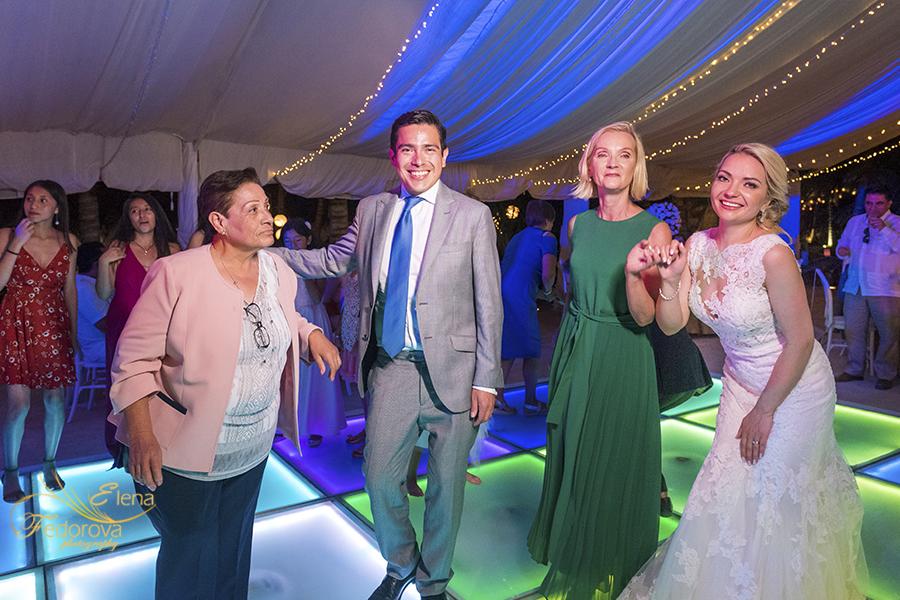 many fun moments wedding