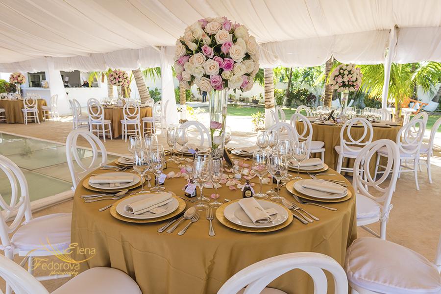 ocean wedding cancun table decor