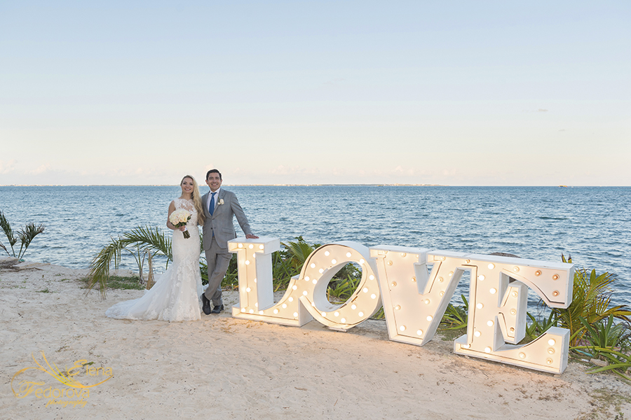 ocena weddings love sign