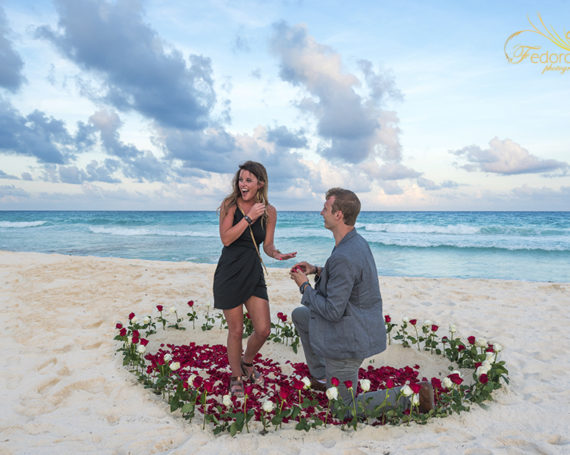 Surprise marriage proposal on the beach in Cancun