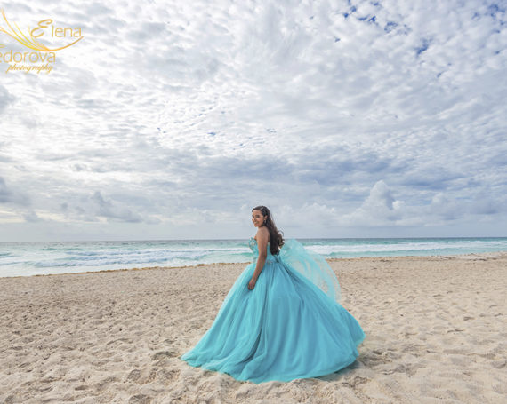 Quinceanera photography in Cancun on the beach.
