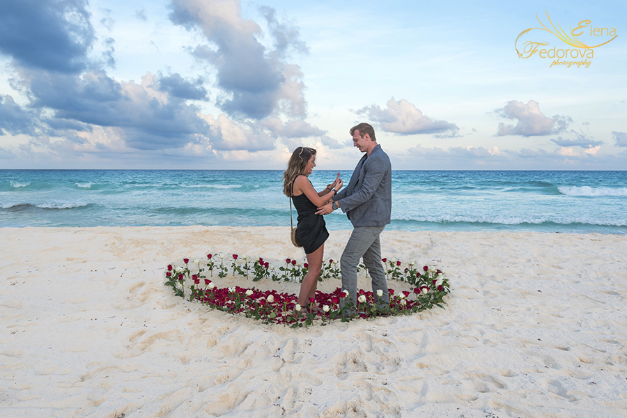 surprise your girlfriend in cancun