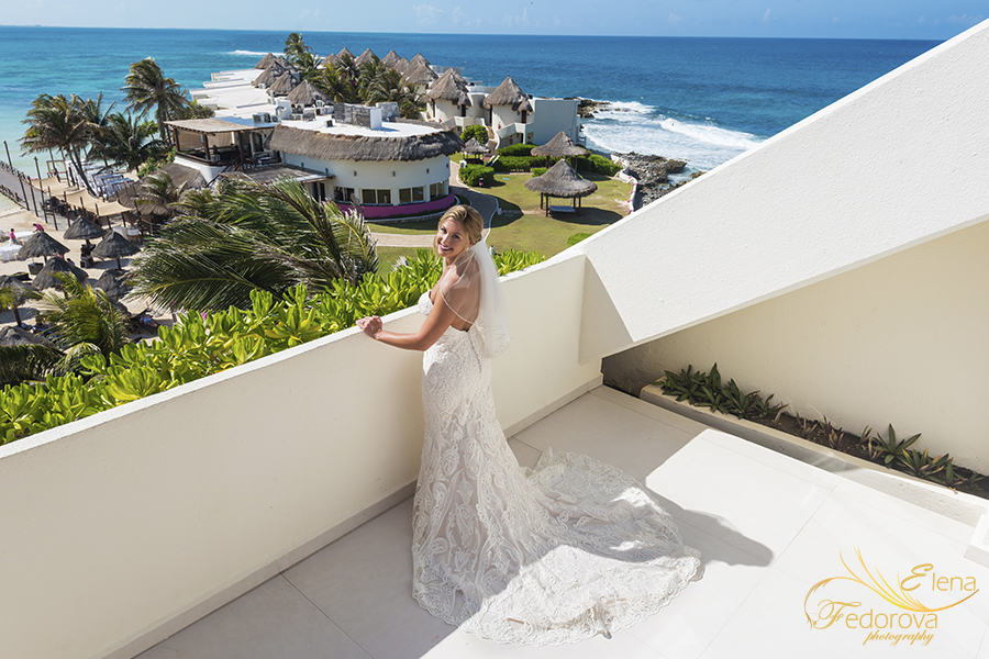 bride on balcony mia reef isla mujeres