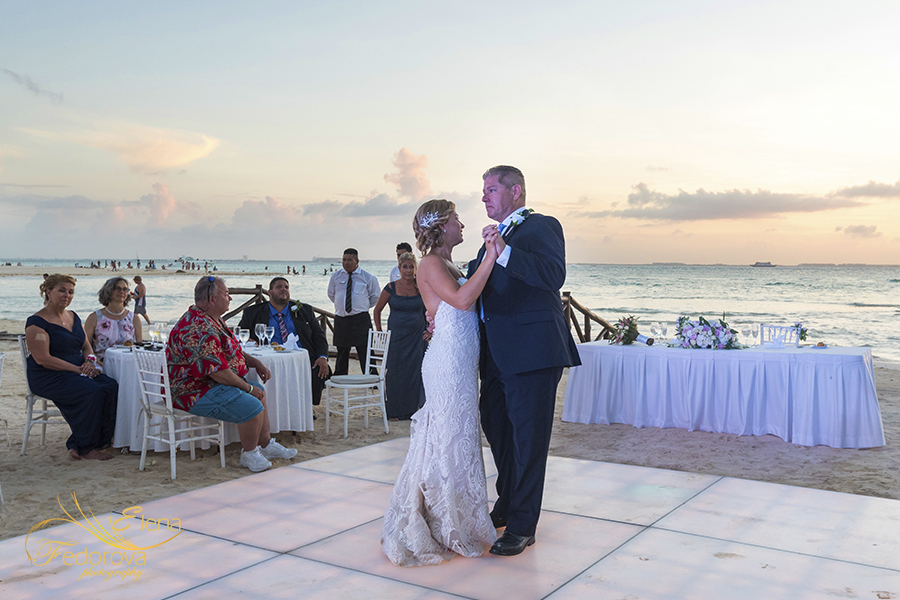 daughter father dance mia reef isla mujeres