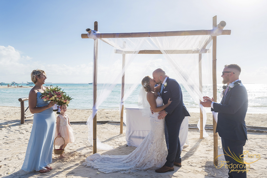mia reef isla mujeres mexico wedding