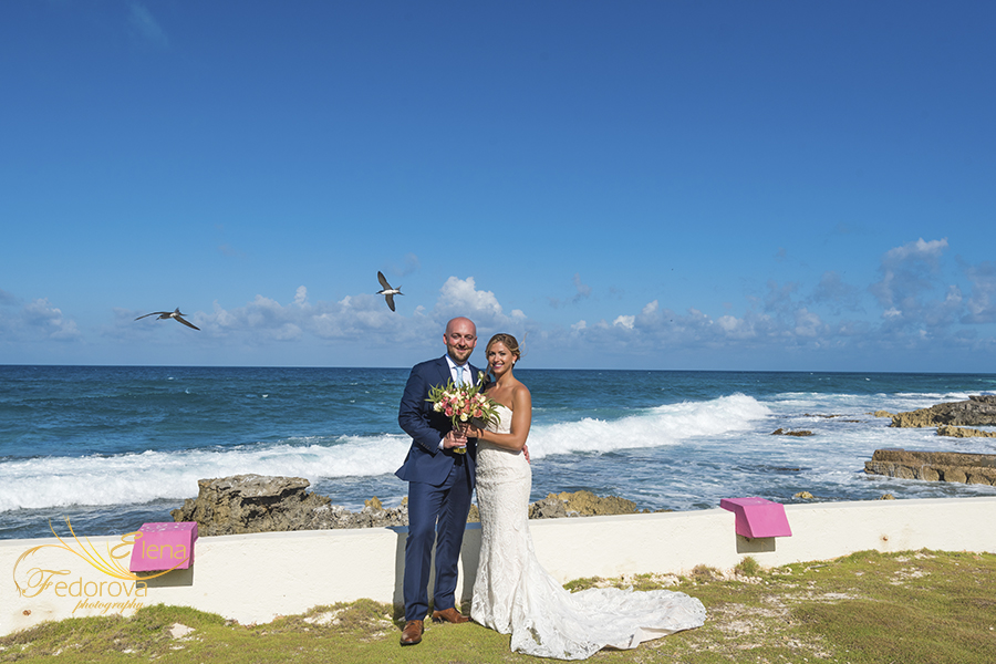 mia reef isla mujeres wedding couple