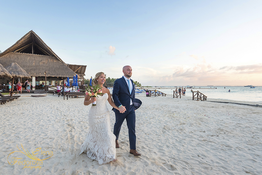 mia reef isla mujeres wedding photographs