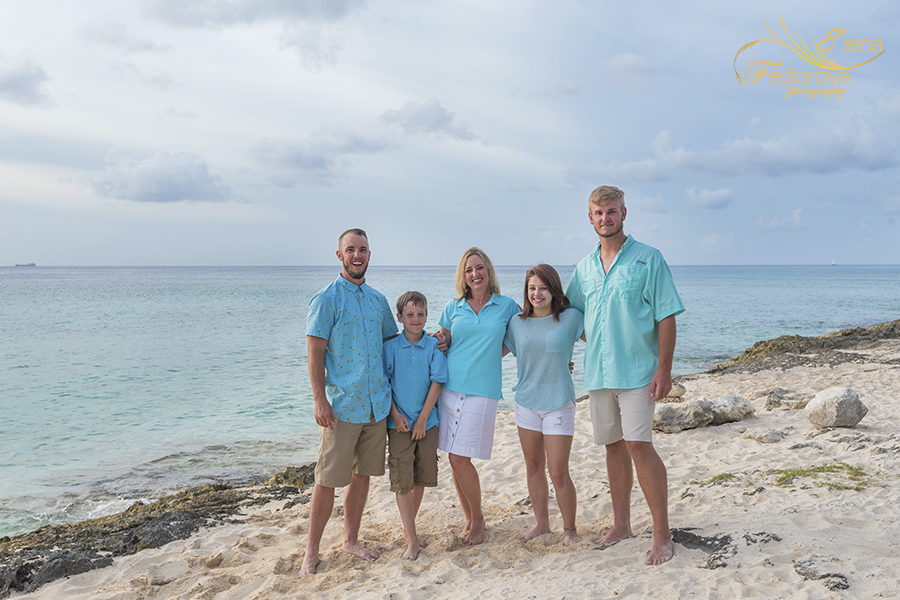 tequila beach lcub cozumel family photo session