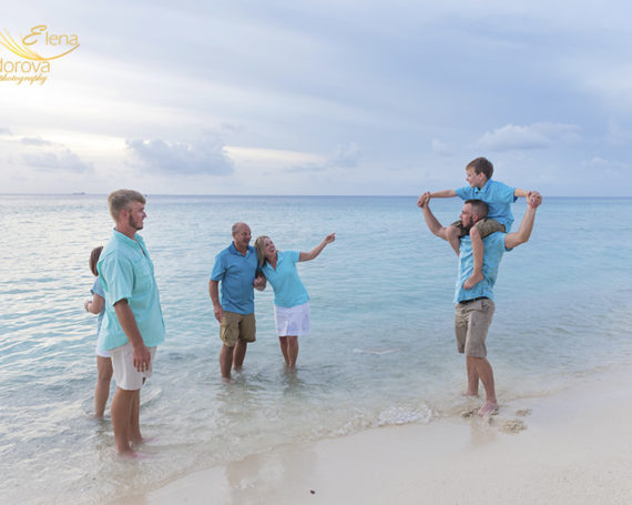 Family beach photo session in Cozumel Mexico.