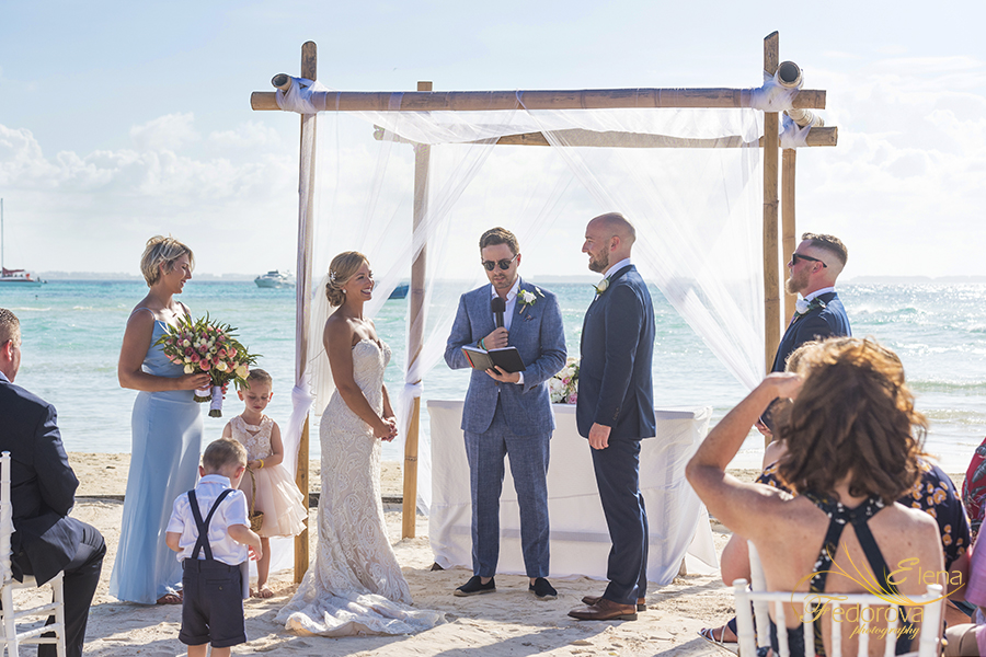 wedding photographer mia reef isla mujeres