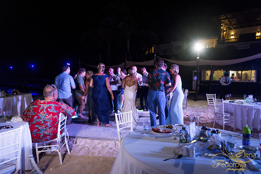 wedding reception night mia reef isla mujeres