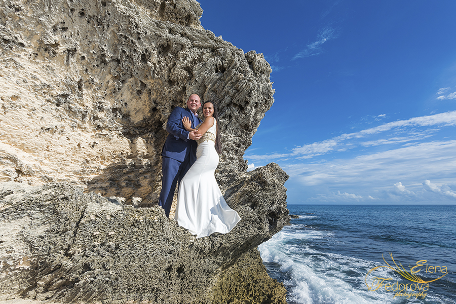 couple on rocks photos