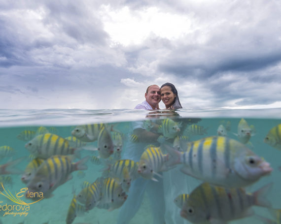 Beach and underwater photo session Cancun Isla Mujeres.