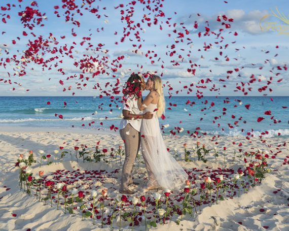 LGBT proposal on the beach in Cancun.