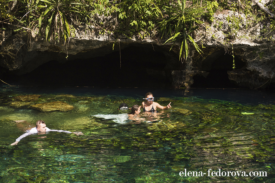 underwater photo shoot in cenotes mexico