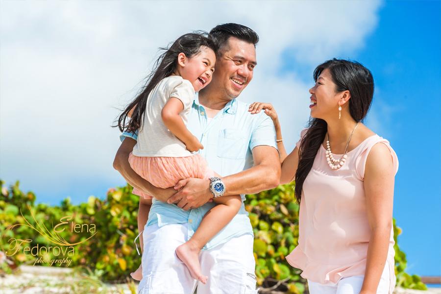 family posing ideas lifestyle