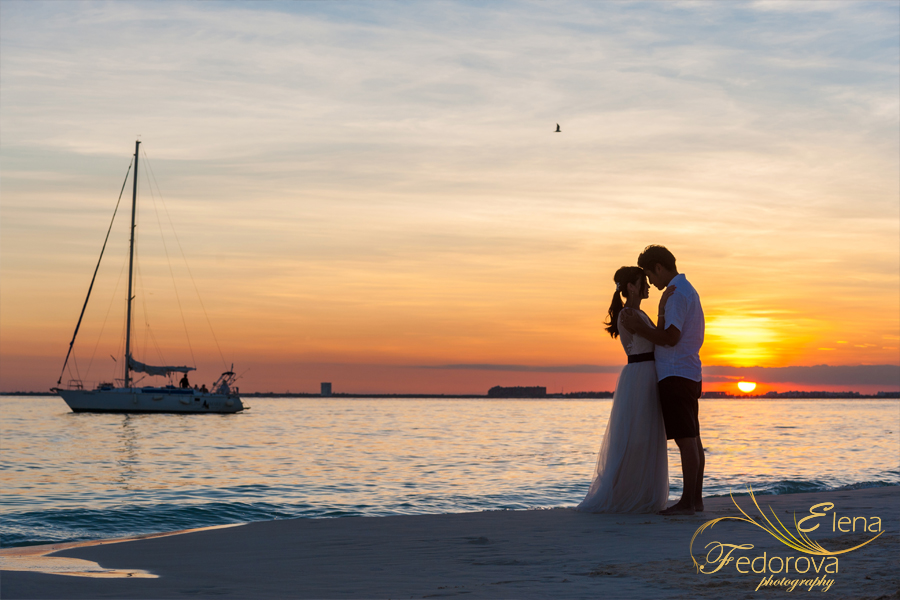 stunning sunset photo isla mujeres