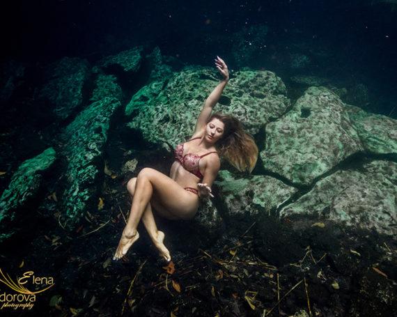 Underwater boudoir photography in cenotes