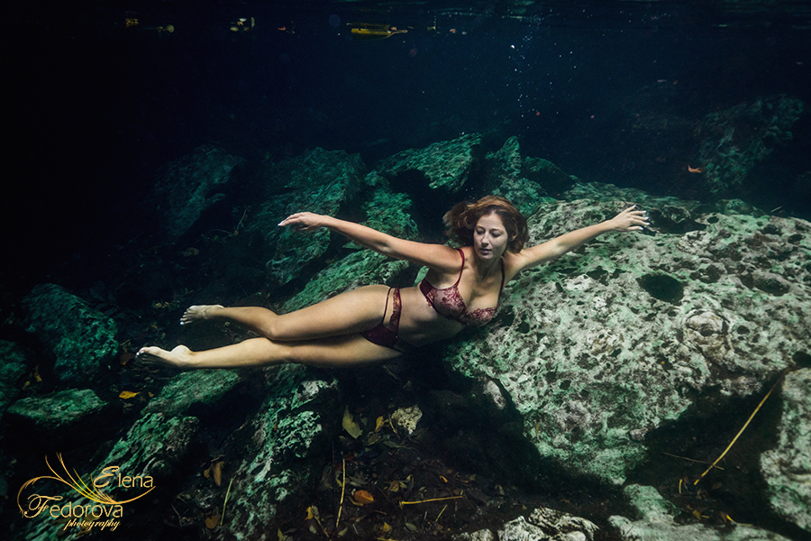 dancing underwater posing