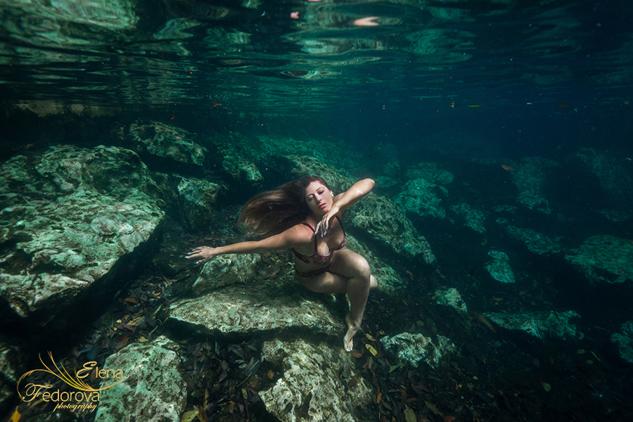poing underwater photography boudoir