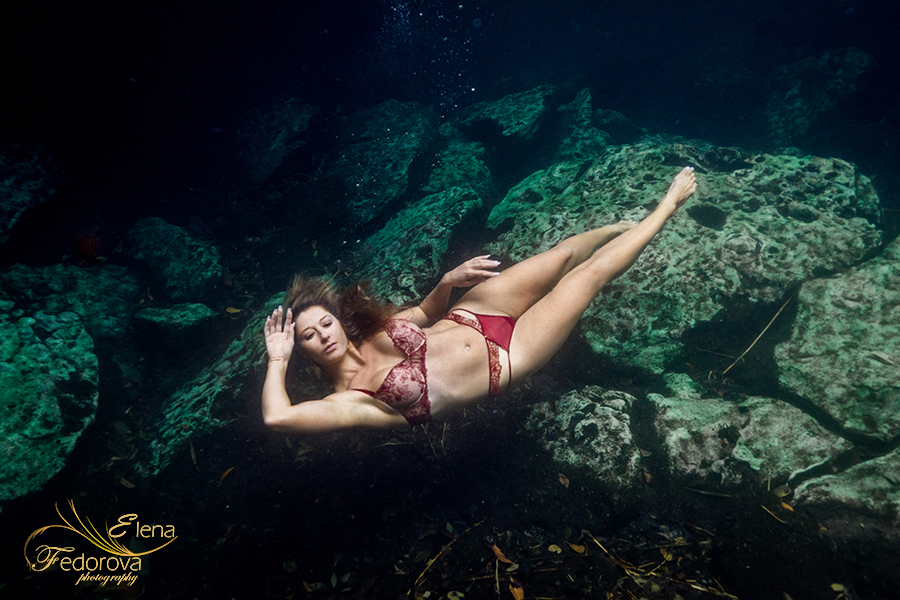 underwater boudoir photographer