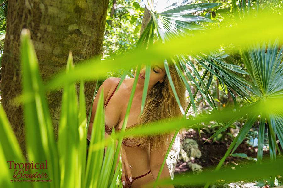 boudoir photoshoot cancun cenotes
