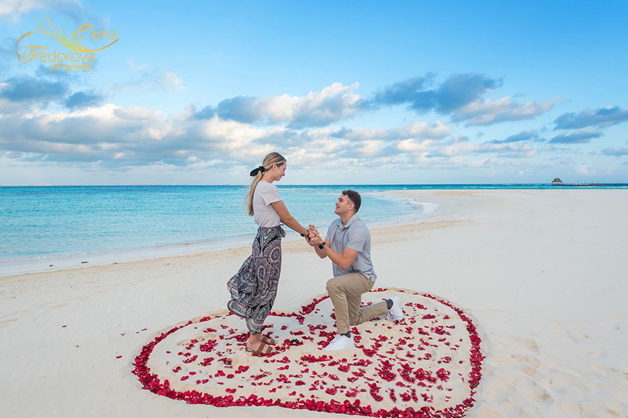 beach proposal Playa Norte Isla Mujeres