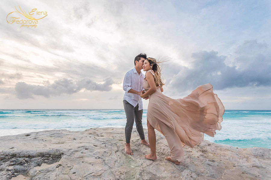 beach engagement photoshoot in cancun