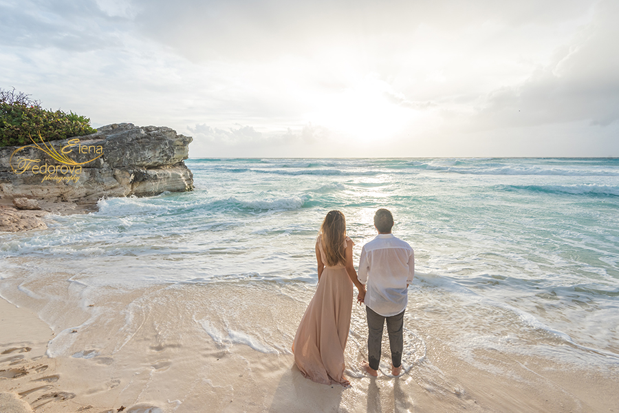 casual beach engagement photos mexico cancun