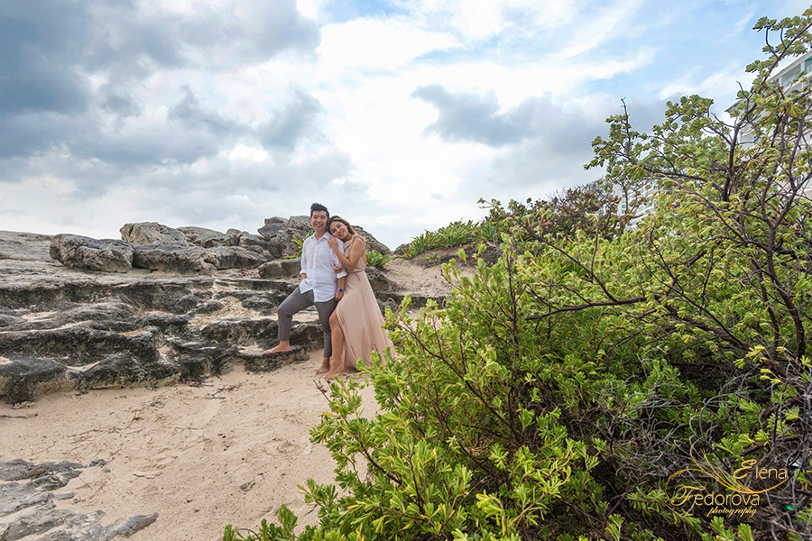 casual engagement photos on the rocks