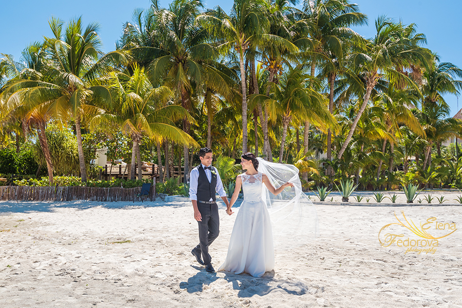 elopement beach cancun photos