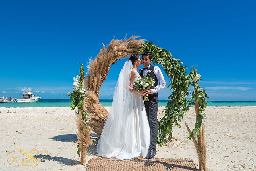 private elopement cancun