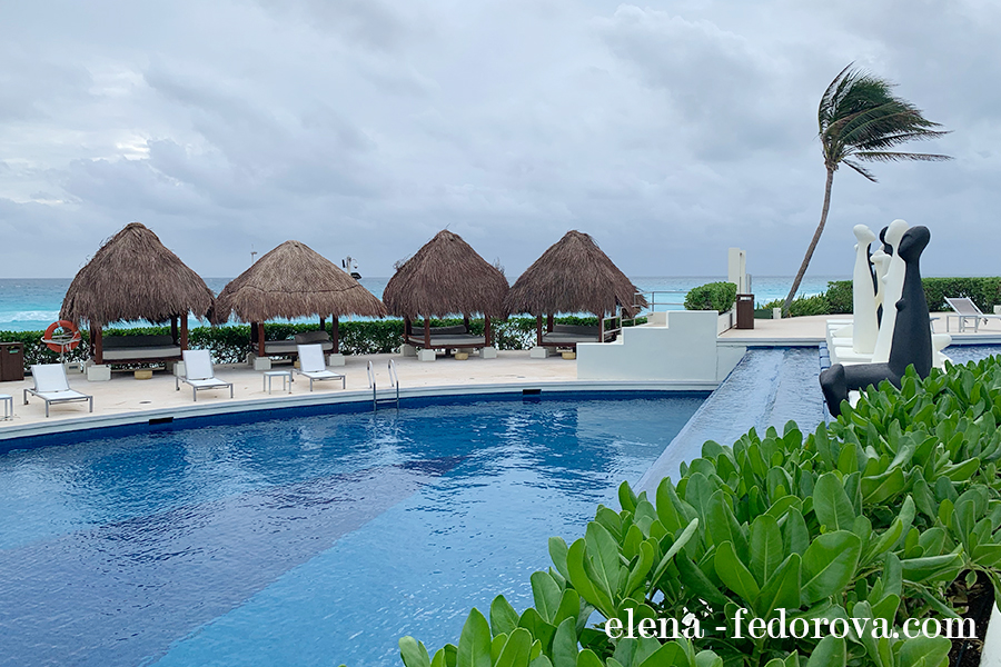 pools melia paradisus